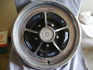 75 78 79 80 Electra Lesabre Park Avenue Regal Riviera 5 Slot Hubcap Center Cap