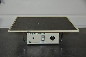 Bellco Benchtop Orbital Shaker Model 7744 01000 With 20 X 20 Platform Tested