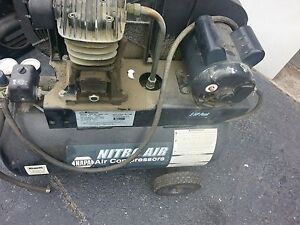Nitroair Napa 20 Gallon 5hp 125psi Air Compressor Nac82 4252 pat As Is
