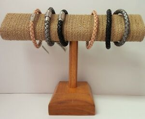 Oval Shape T Bar Sea Grass Wood Bracelet Display
