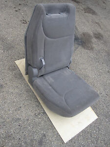 2005 2006 Toyota Sienna Right Rear 3rd Row Seat