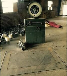Toledo Floor Scale 6250 Pound Capacity Model 2151