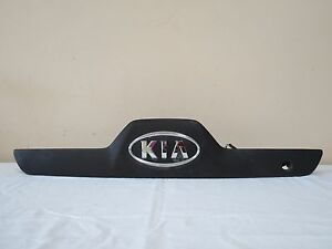 05 06 Kia Sportage Trunk Lid License Plate Molding Garnish Panel Oem 92501 1f0
