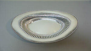 Lovely Antique Meriden Sterling Silver Oval Bread Tray 627 Pre 1930