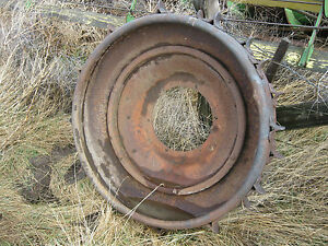 Ford Ferguson 9n 2n Tractor Ww Ii Rear Steel Wheel With Lugs Fordson 8n Naa