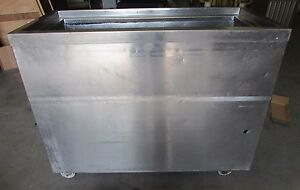Fb 48 8841028 18 X 40 Refrigerated Bar Cold Well Salad Bar good