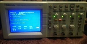 Tektronix Tds2012 Oscilloscope 2 Channel 100mhz 1gs s Digital Colors Scope
