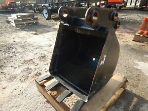 Used 18 Kubota Bt2903 Bucket For Bh90a Backhoe Stock U215549