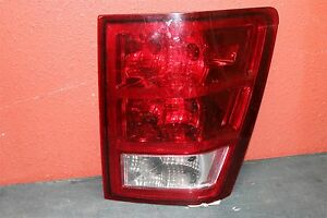 2007 2008 2009 2010 Jeep Grande Cherokee Right Tail Light