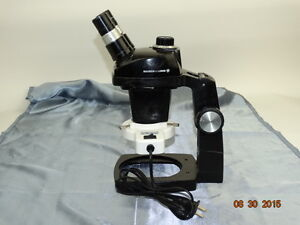 Bausch Lomb Stereo Zoom 4 Microscope 2 Eyepiece Light