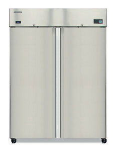 Hoshizaki Cr2s fs 51 Cu ft Commercial Refrigerator 2 Solid Doors Reach in