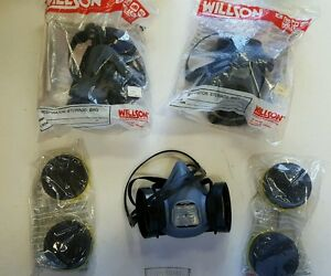 lot Of 3 Willson Small Half Face Respirator 5000 Series And lot Of 2 Cartrid
