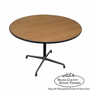 Herman Miller Round Pedestal Dining Table