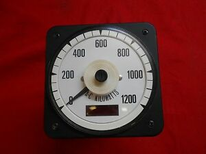 Crompton 3953 077 d1ta zzbd Frequency Meter