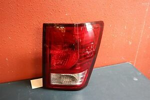 2007 2008 2009 2010 Jeep Grand Cherokee Right Tail Light