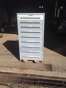 Stanley Vidmar Tool Cabinet 9 Drawer W 13 Dividers Good Condition