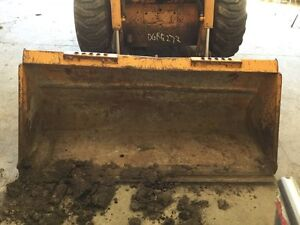 Case 430 Skid Steer Case Standard 64 Bucket W 7 Bolt on Cutting Edge