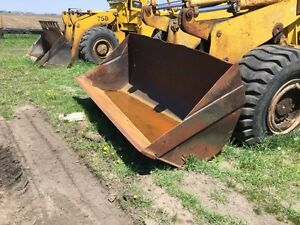 Michigan 85iiia Wheel Loader Pin on Bucket W weld on Edge May Need Repairs