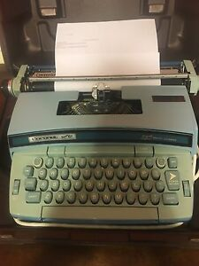 Smith corona Coronet Super 12 Electric Typewriter Blue 6lea With Hard Case