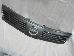 Oem 2007 2008 2009 Nissan Versa Black Front Grille Assembly W Emblem 1 Piece New