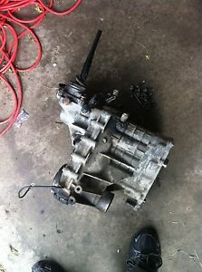 99 04 Chevrolet Tracker 2 5 At 4wd Transfer Case 4x4 2001 01 Free Shipping 2 5l