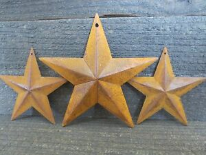 Lot Of 3 Rusty Tin Barn Stars 5 5 3 75 Inch Dimensional Primitive Country Rust