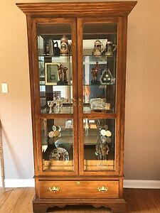 Pennsylvania House Curio China Cabinet W Drawer