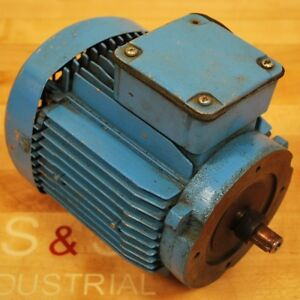 Suhner 700057 Motor 2780 3360 Rpm 230 480 Vac 75 9kw 3 1 7 Amp Used