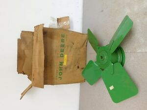 John Deere R Tractor New Old Stock Fan Assembly Ar391r 8817