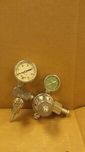 National 704 Oxygen Therapy Regulator