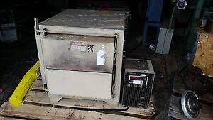 Thermolyne Corp Muffle Type Electric Oven Model Fa 1740 240v 1 60