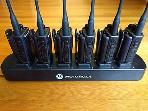 6 Motorola Cp110 Uhf Two way Radios Multi Unit Charger Compatible With Rdu2020