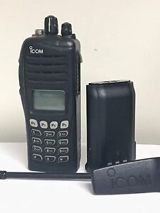 Icom F 4061t Portable Two Way Radios Uhf Dtmf demo Units In Great Condition