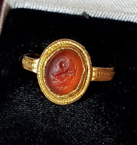 Gold Roman Ring Intaglio Of A Rooster Cockrell Circa 2nd 3rd Century Ad