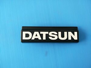New Genuine Datsun Nissan Bluebird Sss 810 910 Grille Badge Emblem