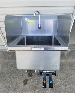Heavy Duty Stainless Steel 1 Comp Hand Sink Knee Operated W Faucet Side Guards