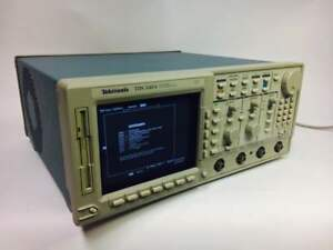 Tektronix Tds540a Oscilloscope Digital 500 Mhz Bandwidth Sold As Is