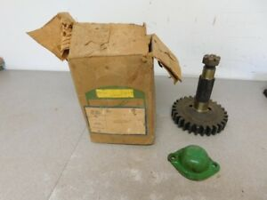 John Deere Unstyled Ar Ao Tractor Nos Overdrive Gear Shaft Cover Aa5467r 10363