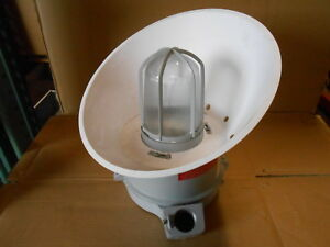 New Crouse Hinds Vmvsj070gp 120 70 Watt 120 Volt Explosion Proof Light Fixture