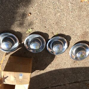 Set Of 4 Vintage Chevrolet Motor Division Tall Derby Center Hub Caps 15 Wheels