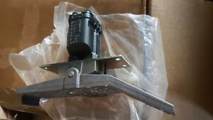 New Parker Hydraulic Remote Control Valve Footpedal Pcl402 02 f0704a Sweden