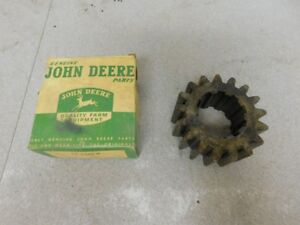 John Deere Unstyled A Tractor Nos Differential Driving Pinion Gear A581r 10496