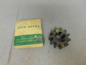 John Deere Unstyled B Tractor Nos Brake Shaft Pinion Gear B234r 10574