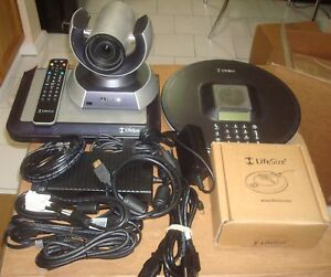 Lifesize Express 220 Video Conferencing W camera 10x phone micpod remote cables