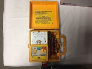 Toptronic T1800 Analog Insulation Continuity Tester Electric Voltage Ac