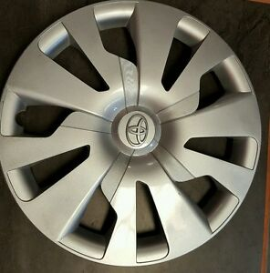 One 15 Toyota Yaris 2015 2016 Silver Hubcaps Wheel Cover Rim Cover 570 61176