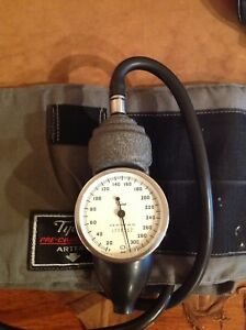Tycos Sphygmomanometer With Adult Size Cuff Bp Blood Pressure