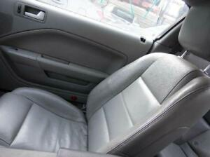 2006 Ford Mustang Front Right Passenger Seat Gray Leather