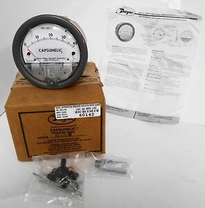 Dwyer 4240s B Series 4000 Capsuhelic Differential Pressure Gage 0 40psi Brass