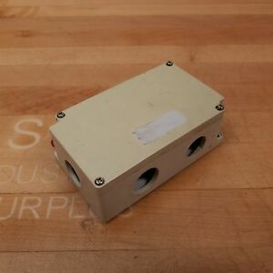 Boxco Bc ag 10pt Terminal Block Junction Box 10 Point Abs Grey Side Terminals